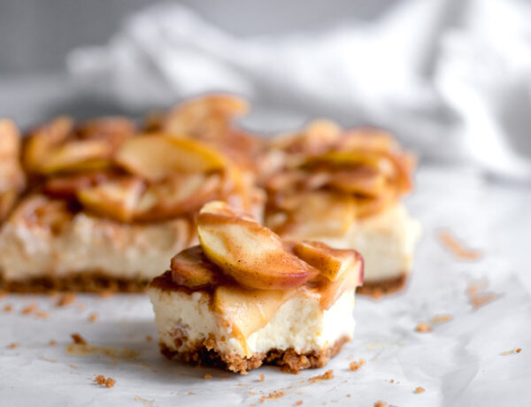 apple cheesecake bar