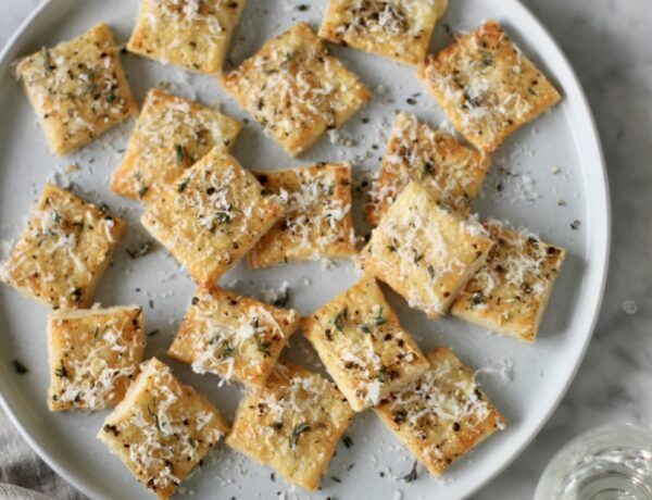 cheesy pie crackers