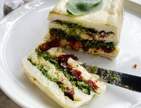 Pesto cheese log