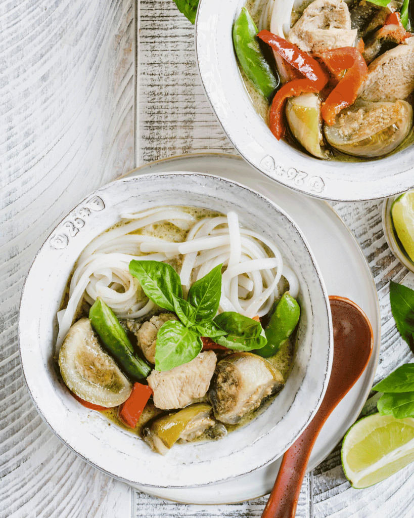 thai green curry with rice noodles